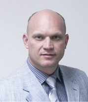 Виктор Узлов биография
